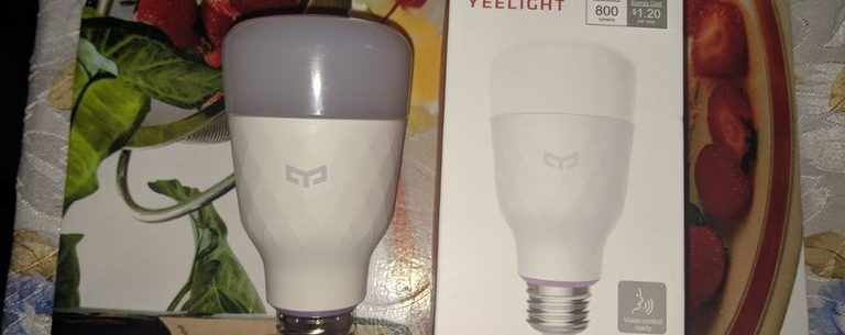 Review bec smart Yeelight RGBW YLDP06YL